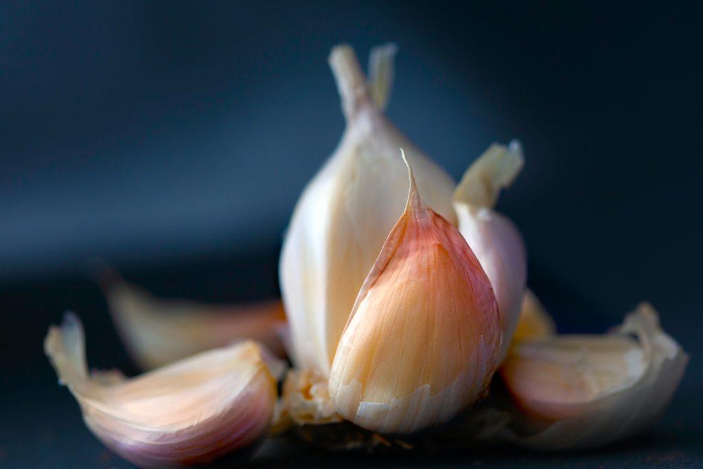 best ways to store garlic