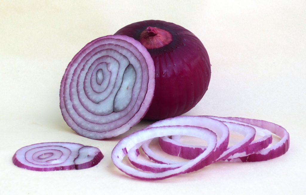 easiest way peeling onion