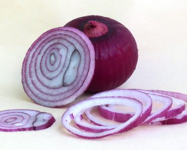 easiest way peel onion