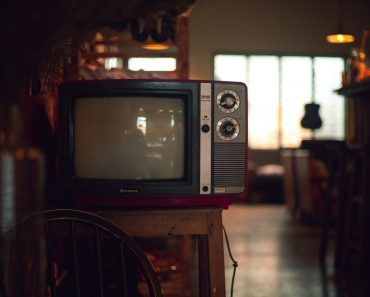 Please stop doing these five mistakes while cleaning tv