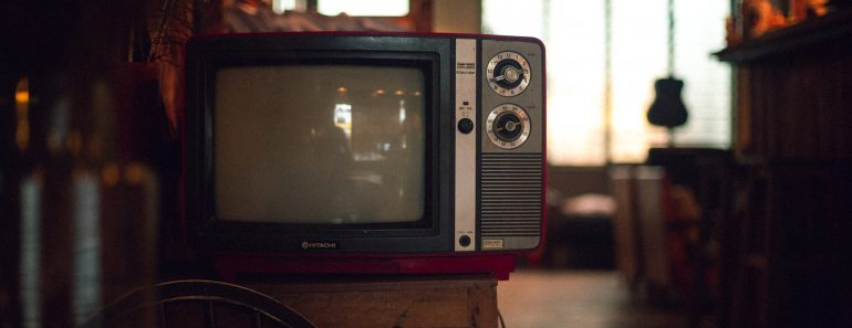 five mistakes cleaning tv