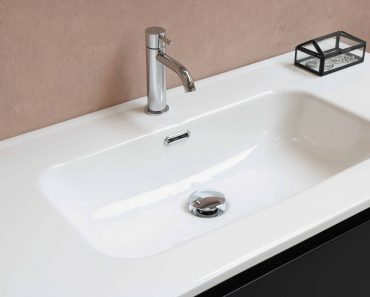 Trick to unclog sink with dish soap and hot water