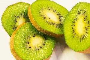 How To Cut A Kiwi: Easy & Quick Trick